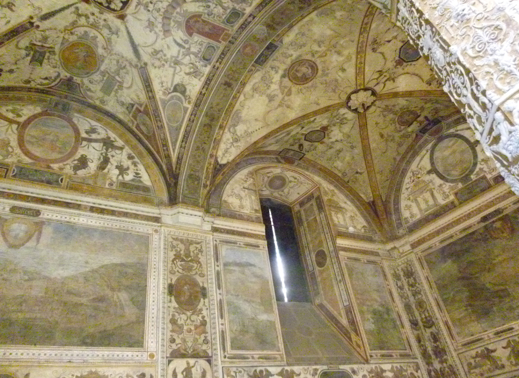 Florence Italy, amazing vaulted ceiling and intricately painted artwork with Seen by Solomon travel blog