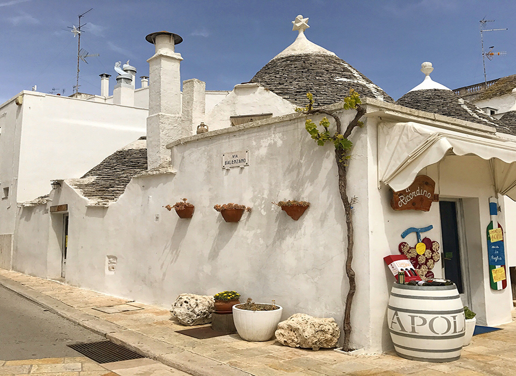 Alberobello Italy with Seen by Solomon travel blog