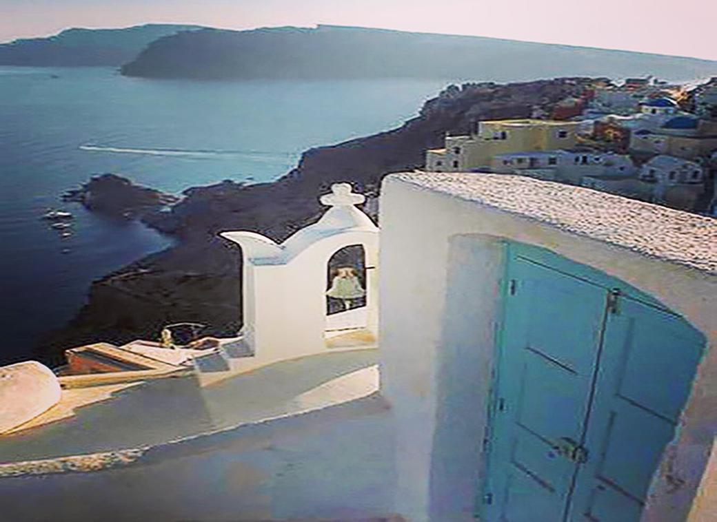doors and doorways with Seen by Solomon travel lifestyle blog